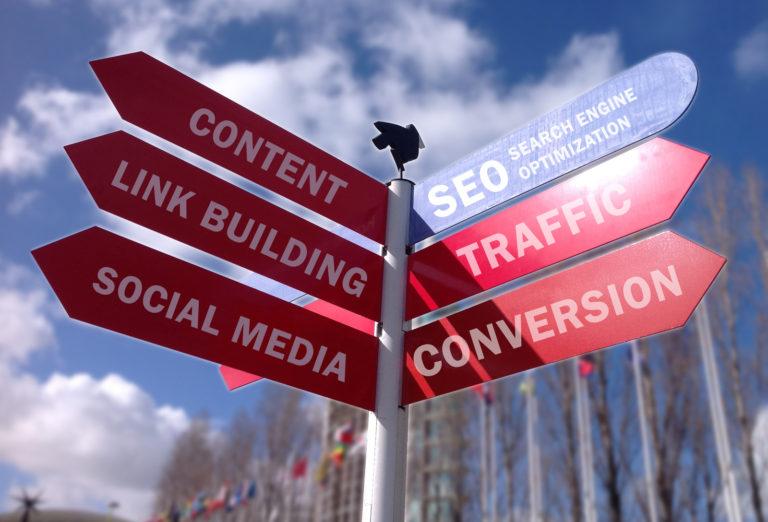 web empresarial o social media?